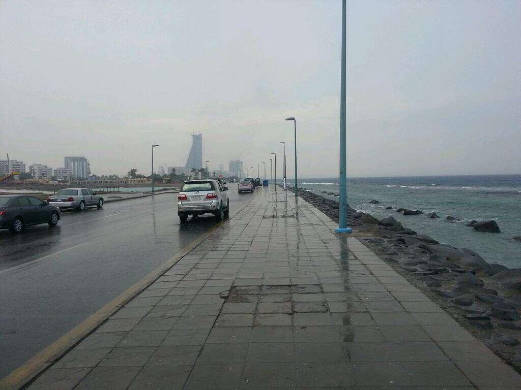 الطقس في جدة اليوم أمطار رعدية غزيرة وسقوط ثلوج حتى الآن المحيط نيوز